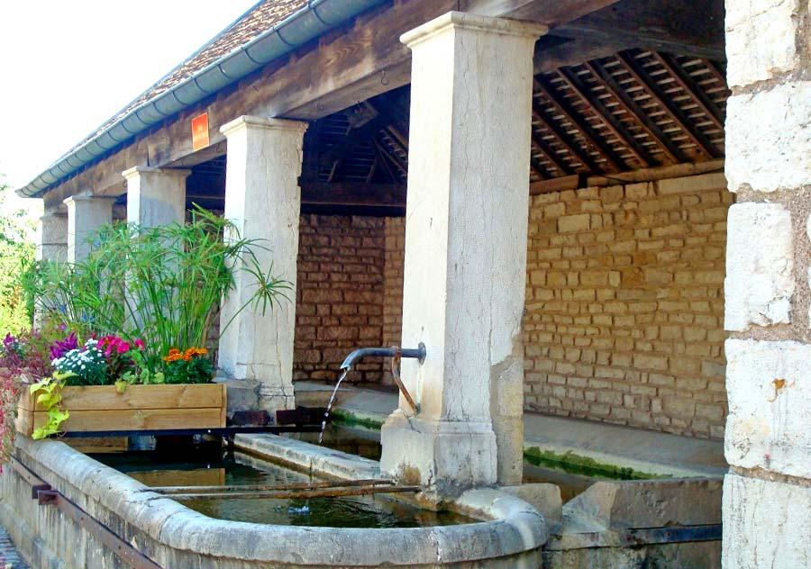 La fontaine-lavoir de Tallenay