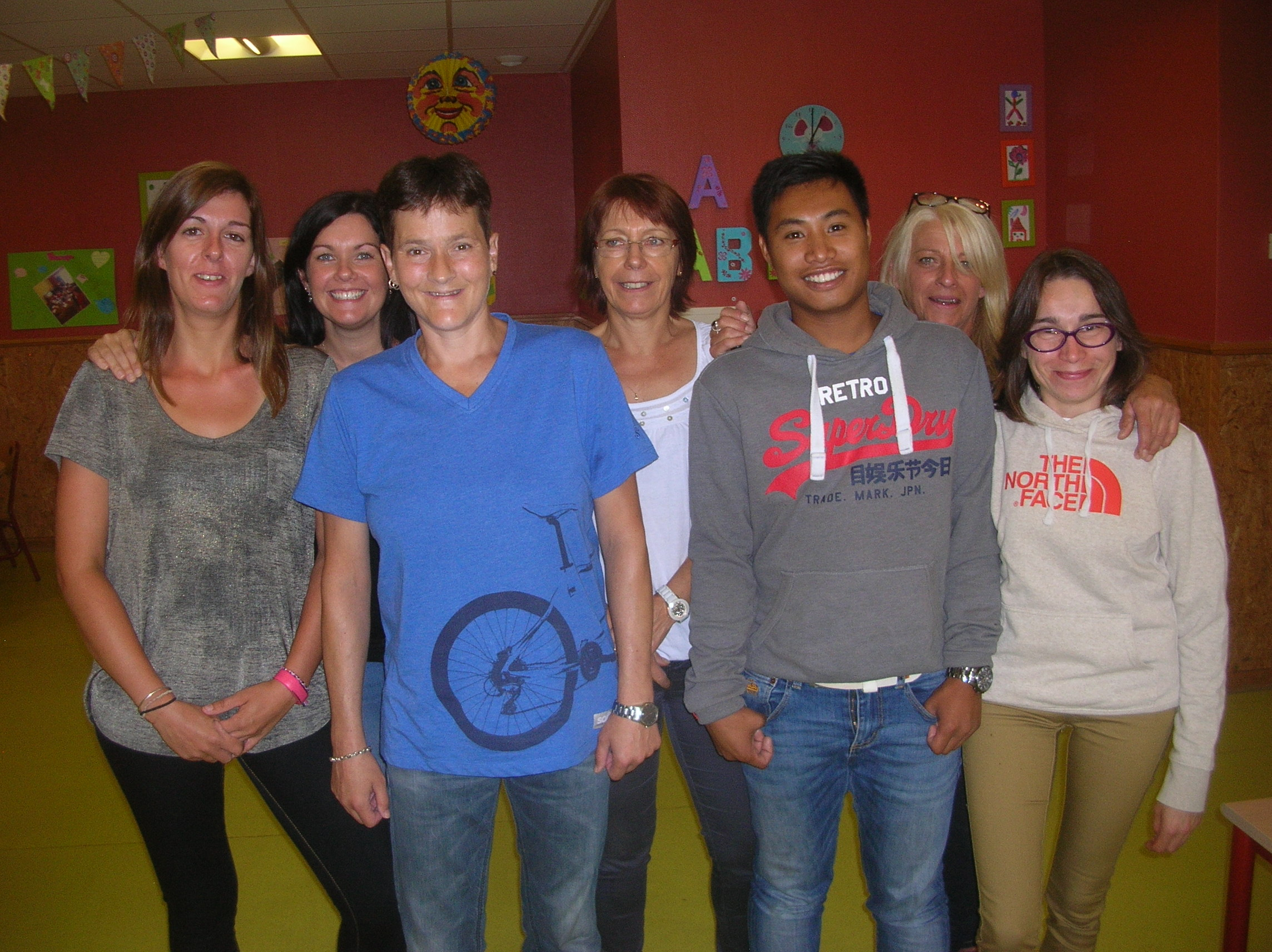 L'équipe du périscolaire au groupe scolaire Bellevue à Châtillon-le-Duc